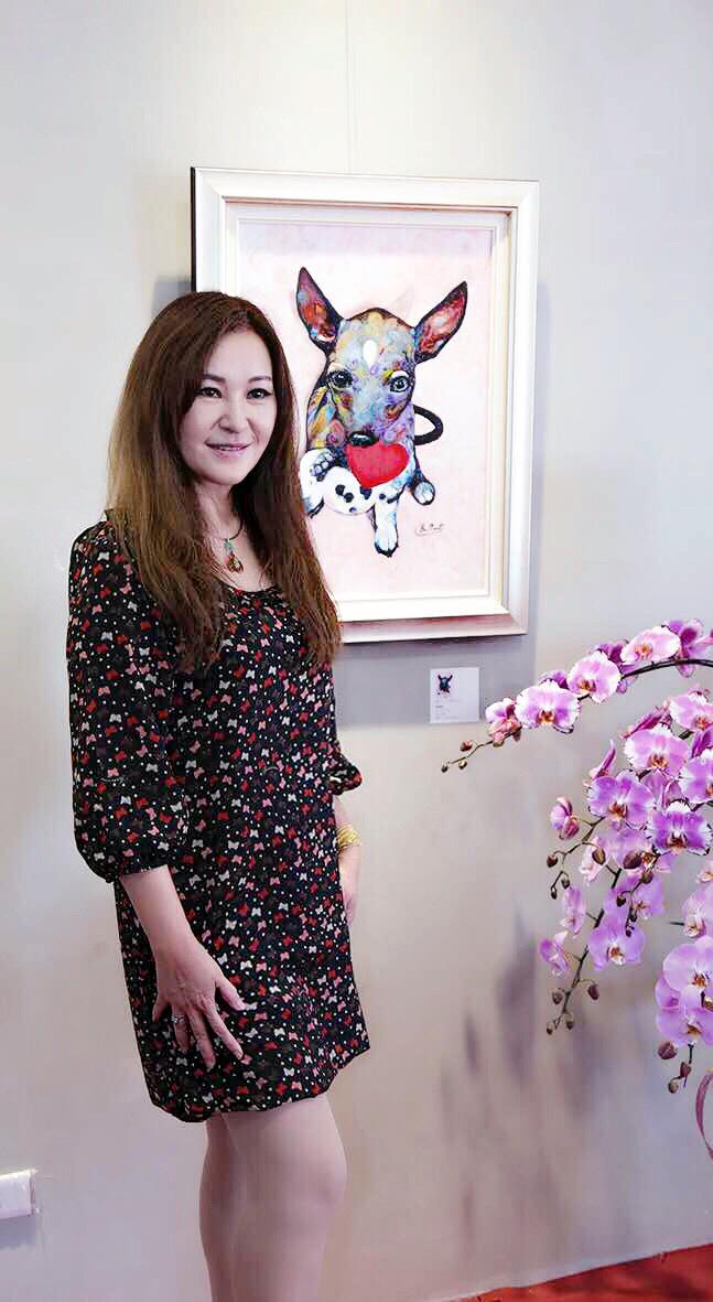在80、90年代台灣演藝圈活躍的藝人張富美,旅居南加州多年後找到繪畫為生活重心,現朝全職畫家的目標前進,頻頻出現各個畫展。張富美提供