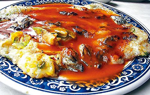 台灣小吃蚵仔煎。