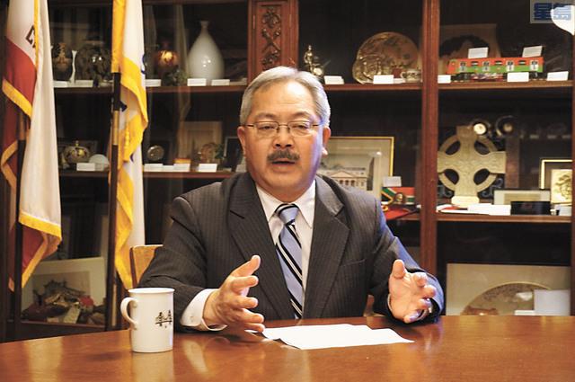 市長李孟賢宣布成立一個新的計劃「減輕工程影響計劃」協助商戶。本報資料圖片