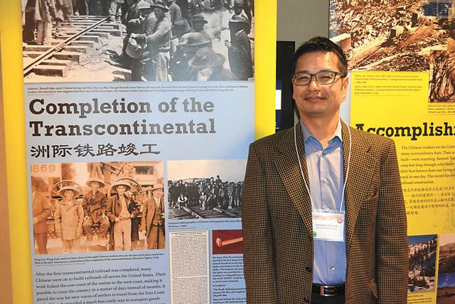 大會組織者李順化希望華人面臨挑戰,保護權益。記者徐明月攝