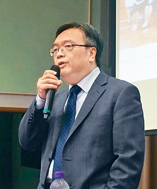 校長程景坡表示,學校着重學生的全人發展。