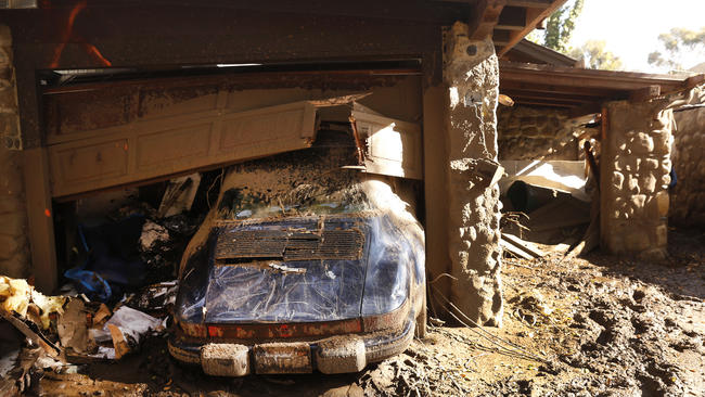 蒙特西托遭受土石流肆虐,造成當地民眾大量財物損毀。  洛杉磯時報