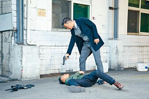 雖然受傷,但楊明好快又投入拍攝。