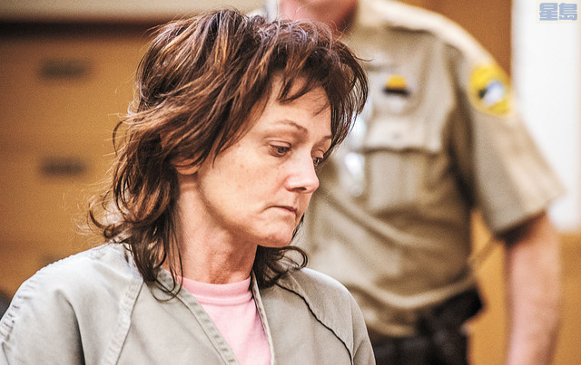 特羅耶據指案發時負責開車,同被控一級謀殺。美聯社