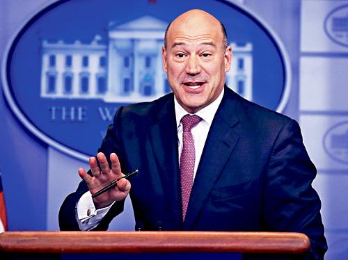 ■據悉,首席經濟顧問科恩是因不滿特朗普決定推行對進口鋼材和鋁材的關稅措施,決定離開白宮。    美聯社