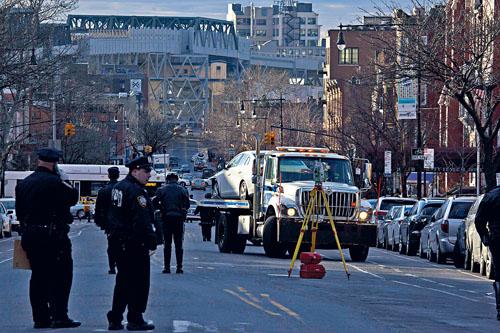 公園坡5日發生嚴重車禍,一名1歲男孩及一名4歲女童被撞死。Dave Sanders/紐約時報