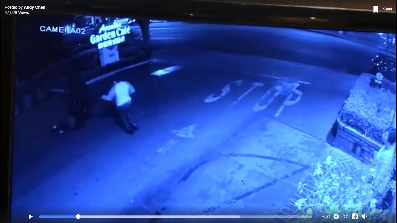 同行男子衝過去試圖幫忙。錄像由戴守真提供