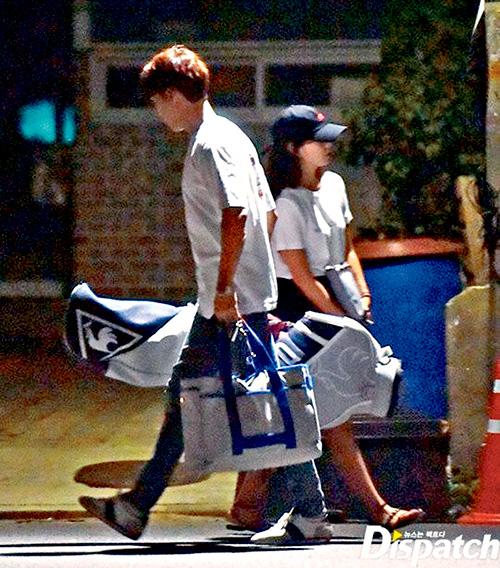■朴信惠否認戀情後,雜誌公開她與崔泰俊去年8月的約會照。