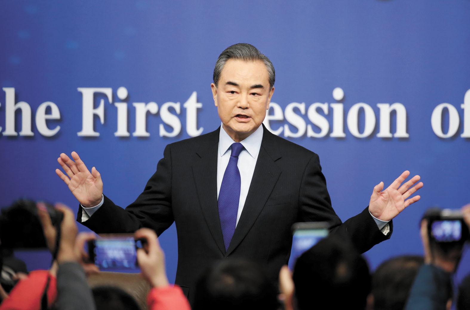 王毅表示,中美關係歷經風雨,但對話合作始終是主線。路透社