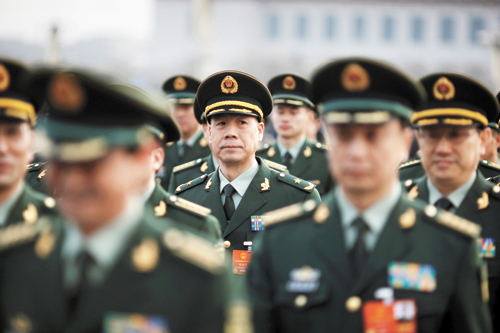 中國2018年軍費達到1.1萬億元人民幣。圖為軍隊代表參加兩會。路透社