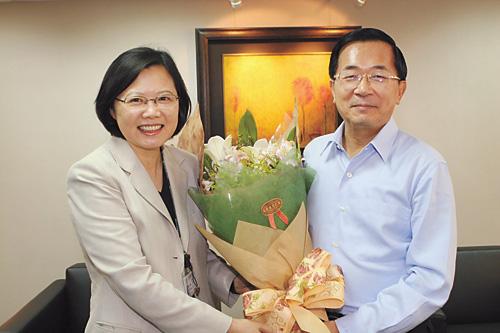 陳水扁(右)打破靜默,道出蔡英文(左)非李登輝推薦,而是自己一手栽培。資料圖片