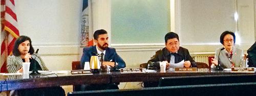 市議會公聽觀光巴士法案。