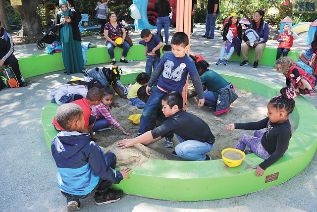 屋崙仙境公園免費為250位小學生開放。主辦方屋崙港口希望孩子們多了解海事知識,培養對海事職業的興趣。記者徐明月攝