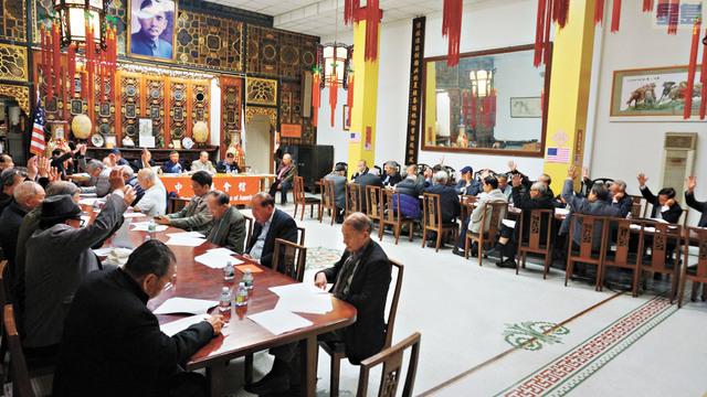 中華總會館月會,舉手表決,通過上月月會記錄。記者黃偉江攝