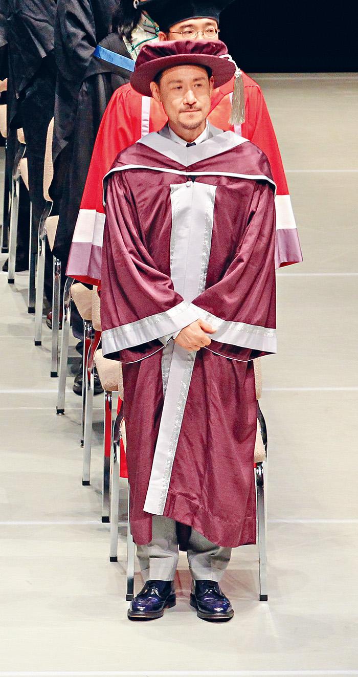 ■張學友昨日以「榮譽院士」身分,出席演藝學院畢業禮。