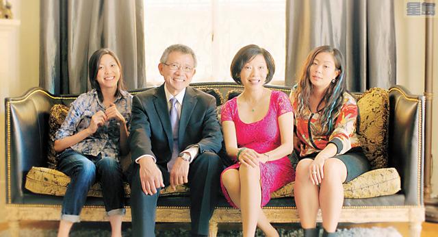 (左起) 蘇嘉慧、柳青、孫芳及洪巧燕是《你和我》一戲中的四位主角。(《你和我》劇組提供)