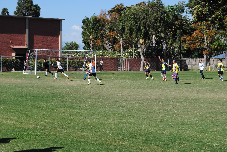 第一屆洛杉磯華人足球聯賽舉行,華人球員終於擁有屬於自己的聯賽。