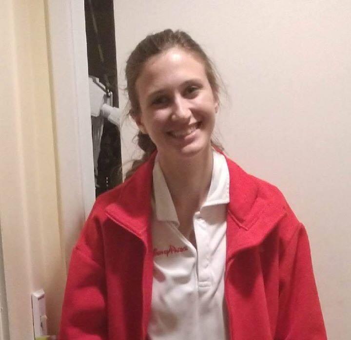 橙縣19歲妙齡少女艾蜜絲日前無故失蹤,失聯幾天後其座車在約書亞公園外被警方發現,並疑似已陳屍在車內。拉哈布拉市警局