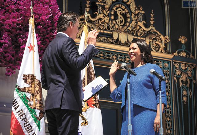 布里德在副州長紐森監誓下宣誓就任三藩市市長。美聯社