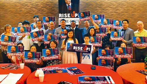 韓文頓獲得不少華裔的支持。