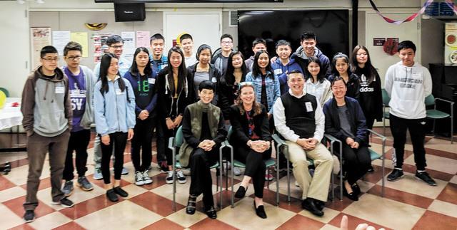「跨世代青少年領袖及科技計劃課程」畢業典禮。安老自助處提供