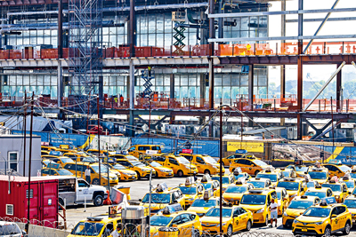 拉瓜迪亞機場的交通情況惡劣。Stephen Speranza/紐約時報