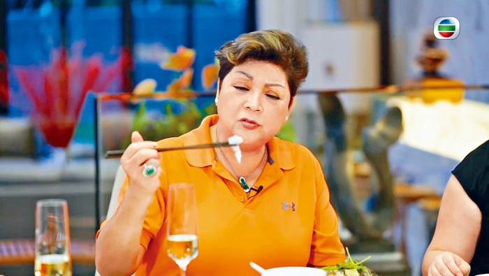 肥媽希望市民自己選擇是否進食鯇魚魚生。電視圖片