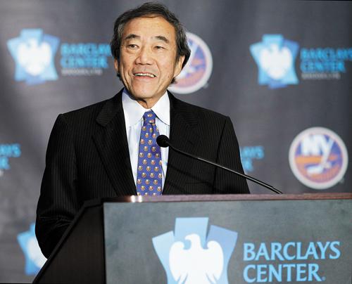 著名華人企業家、慈善家王嘉廉21日於長島辭世,享年74歲。