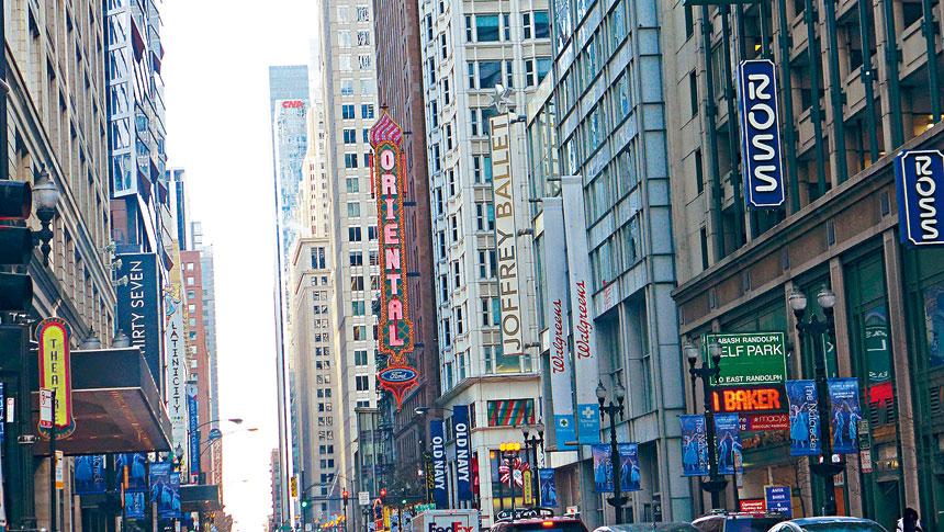 位於市中心倫道爾街上的東方劇院,將於明年易名為尼德蘭德劇院。梁敏育攝