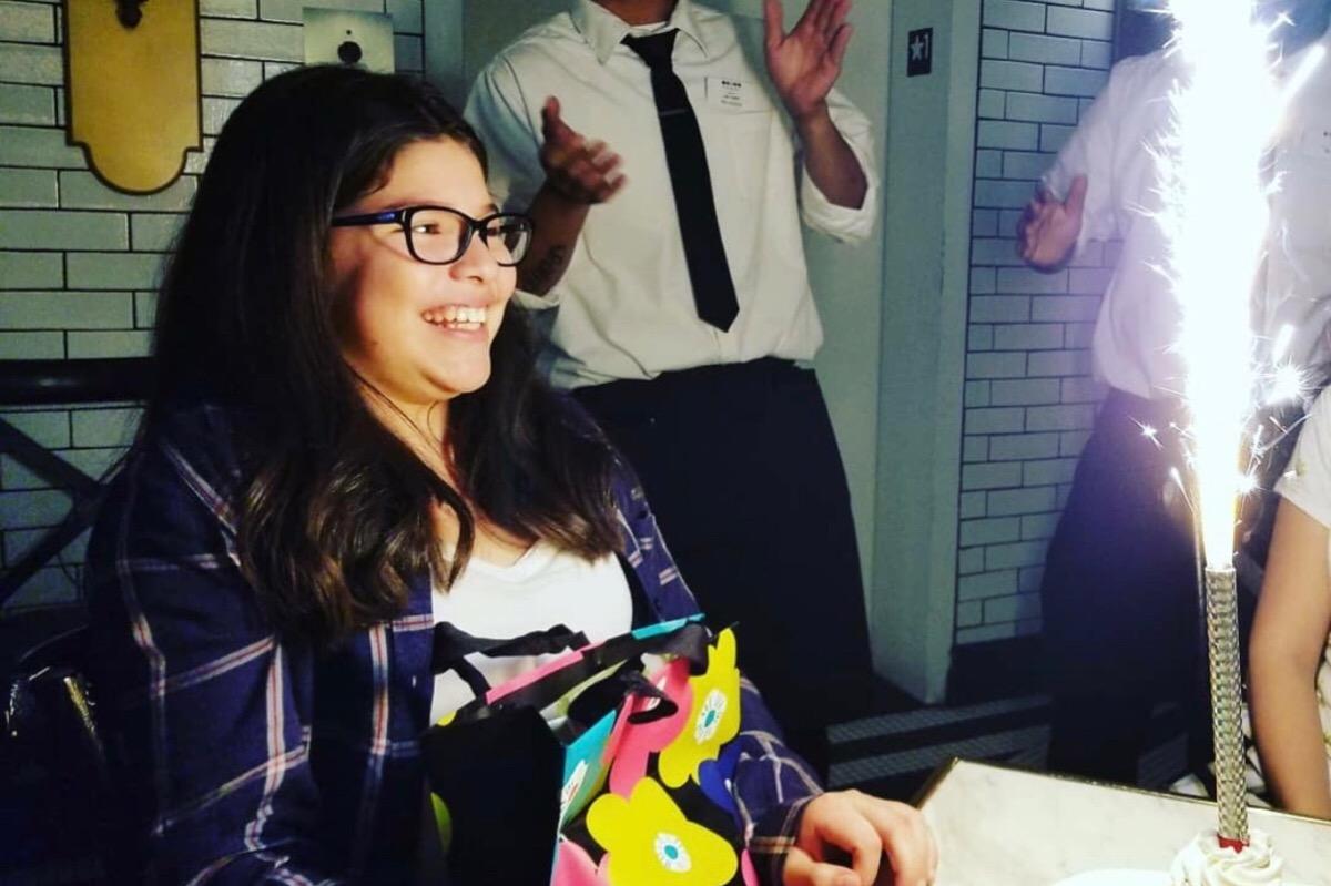 剛滿11歲的安吉莉娜埃里夫斯,日前在家中遭人開槍射殺身亡。埃里夫斯親友/慈善網站GoFundMe