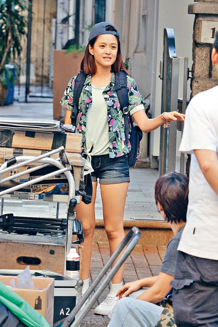 ■江嘉敏亦有參與拍攝,看她露出一雙美腿甚養眼。