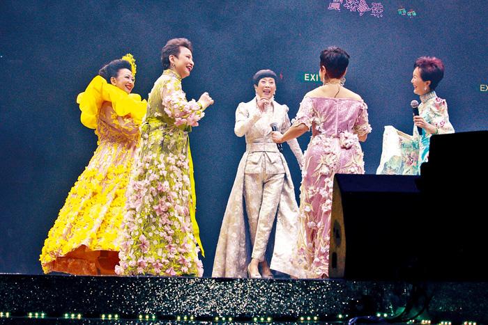 ■七公主其中四位現身撐家燕姐。