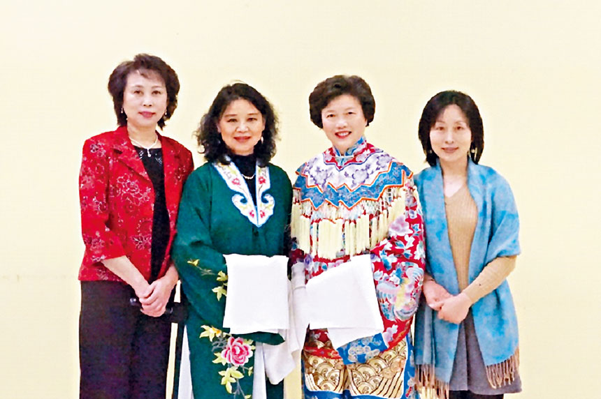 華府「京劇之花」成員。