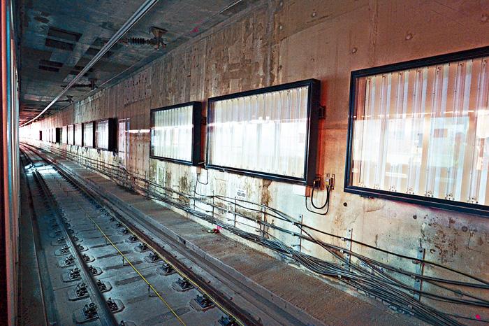 紅磡站內將有多處地點被鑿開,冀盡早檢出剪筋事件是否影響結構安全。資料圖片