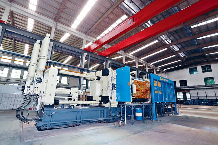 ■嘉瑞正研究將複合材料放至四千噸大型金屬壓鑄設備製造汽車零部件。黃賢創攝