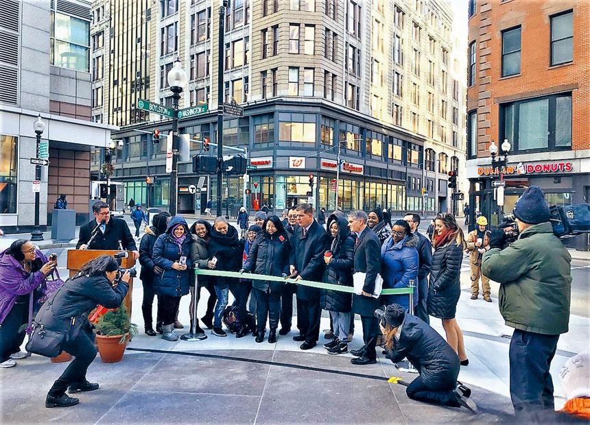 自由樹公園剪綵儀式現場。華埠主街提供