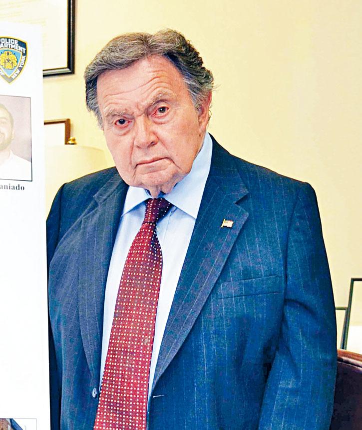 皇后區檢察官布朗正式宣布不競選連任。