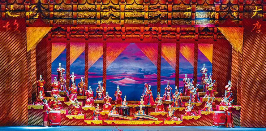 《玄奘西行》中,笛、簫、胡琴、琵琶、嗩吶、阮、箜篌、艾捷克、熱瓦普、冬不拉、庫布孜、薩塔爾、手鼓、鷹笛、班蘇裡、薩朗吉、塔布拉鼓以及新疆木卡姆演唱等,在宏大的歷史背景下集中呈現。
