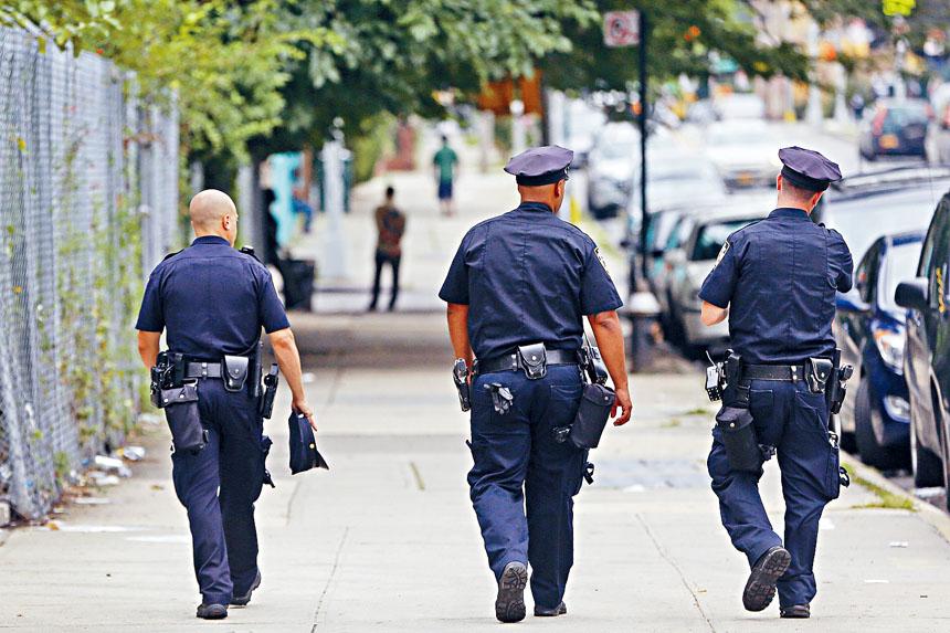 警方指截停搜身數字從2011年的68.8萬宗,大幅減少至去年1.2萬宗。 Michael Appleton/紐約時報