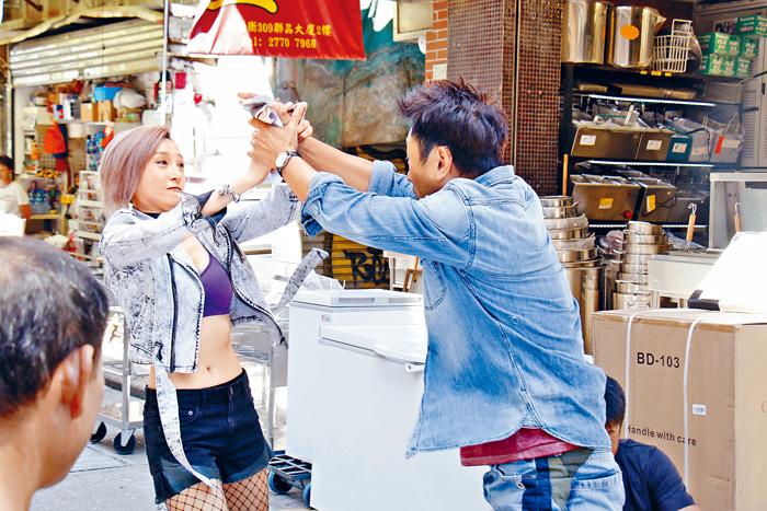 ■龔嘉欣與黎耀祥拍新劇《殺手》,有很多動作戲。