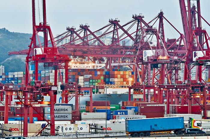 四家公司日前宣布組成「香港海港聯盟」,共同管理葵青貨櫃碼頭近九成六泊位。中通社