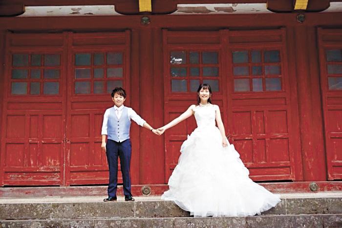 日本一對同性伴侶表示,打算到全球多個同性婚姻合法的國家拍攝婚紗照。網上圖片