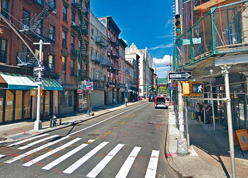 圖為曼哈頓最危險的小路之一的克林頓街夾李文頓街路口。谷歌地圖