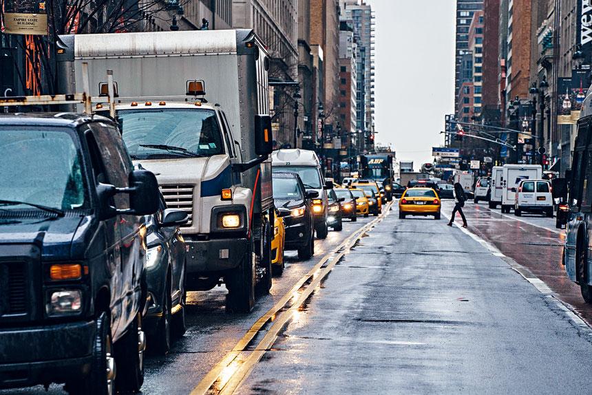 「擁擠費」預計將帶來150億元資金,用於改善公共交通系統。Todd Heisler/紐約時報