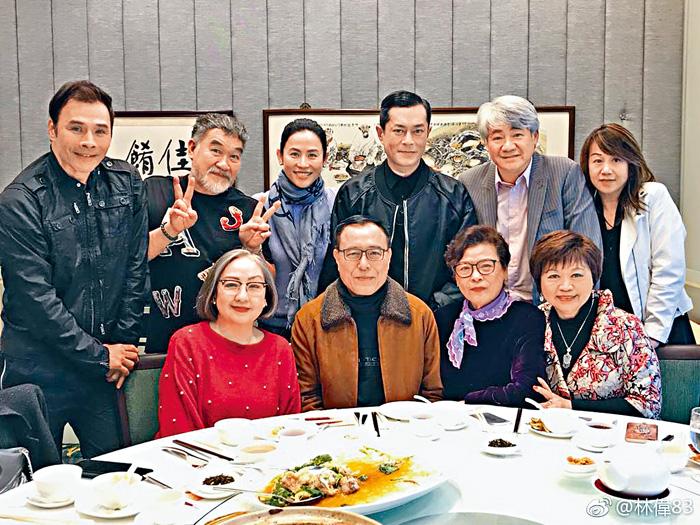 ■古仔相約一眾《餐餐有宋家》演員,舉行新春團拜。