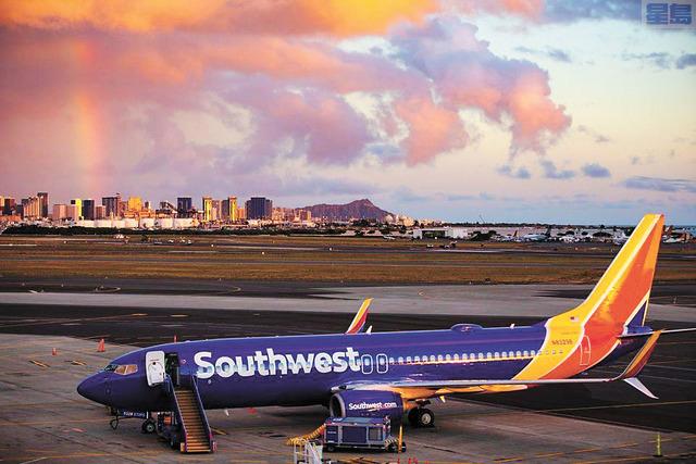 西南航空737客機本月5日降落檀香山國際機場。西南航空
