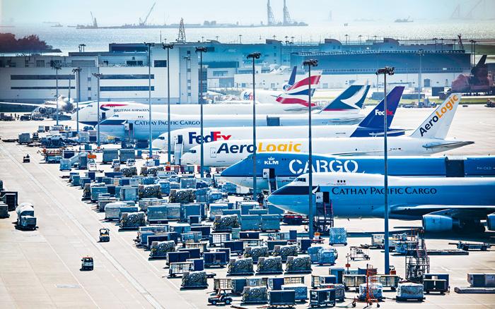 香港國際機場伙拍兩家航空貨運站營運商,成為全球首個機場社區取得國際航空運輸協會所頒發鮮活貨物運輸( IATA CEIV Fresh) 認證。 香港機管局提供