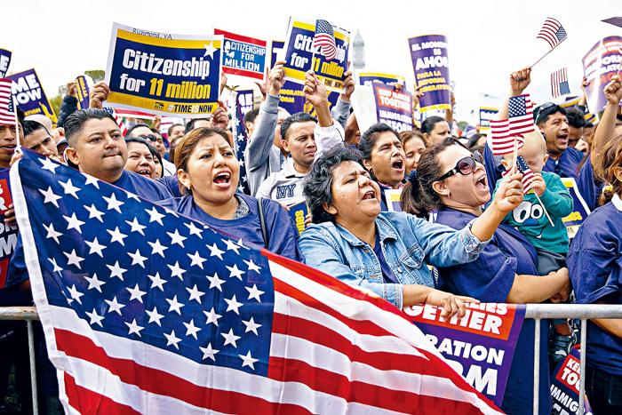 ■一群支持無證客身分合法化的市民在華盛頓請願。    法新社資料圖片