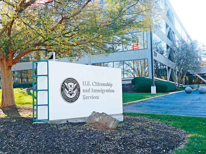 ■聯邦政府官員認為工作轉移之後,原本分配到海外的資源便可調回美國本土。    資料圖片