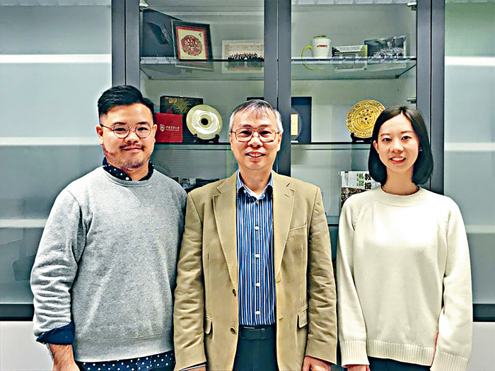 林漢明(中)表示,即使計劃未必成功,學生亦可參與社會實驗。